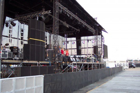 2003  Het eerste festival